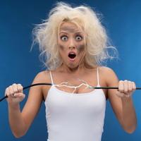 Как быть, если электризуются волосы?