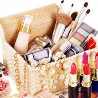 Восемь необходимых средств для базовой косметички